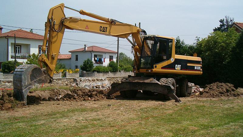007 APEV Movimiento de Tierras Cazo, Escavadora Terreno talud, Parcela, Cata, Proteccion, Nivel,  Coning Oficina Ingenieria, Proyectos, Topografica e Inspeccion Tuberias