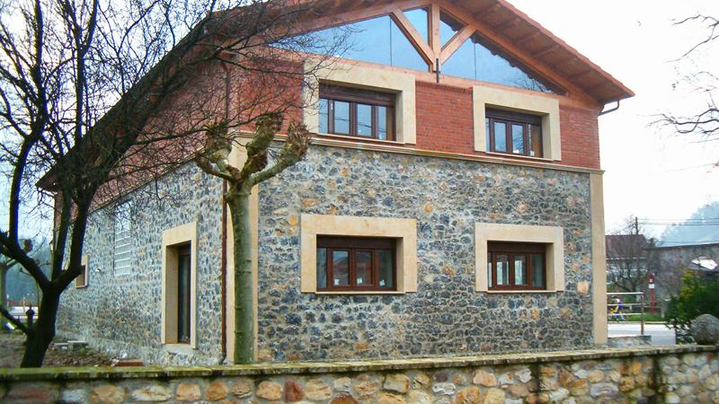 AP Reconstruccion Local Publico, Vistas, Reforma ventanas Lucernario, Jardin, Muro piedra  Coning